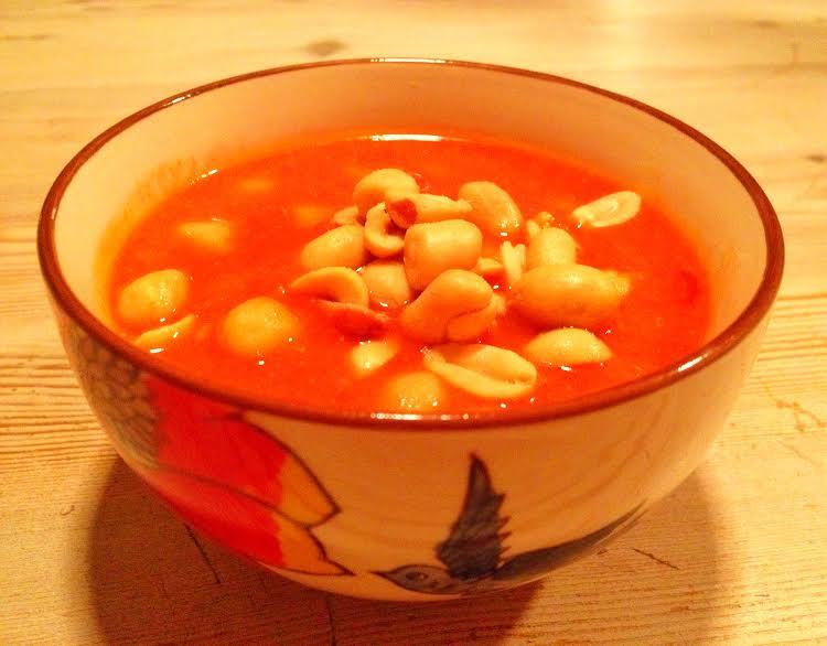 suppe med kikærter og tomat