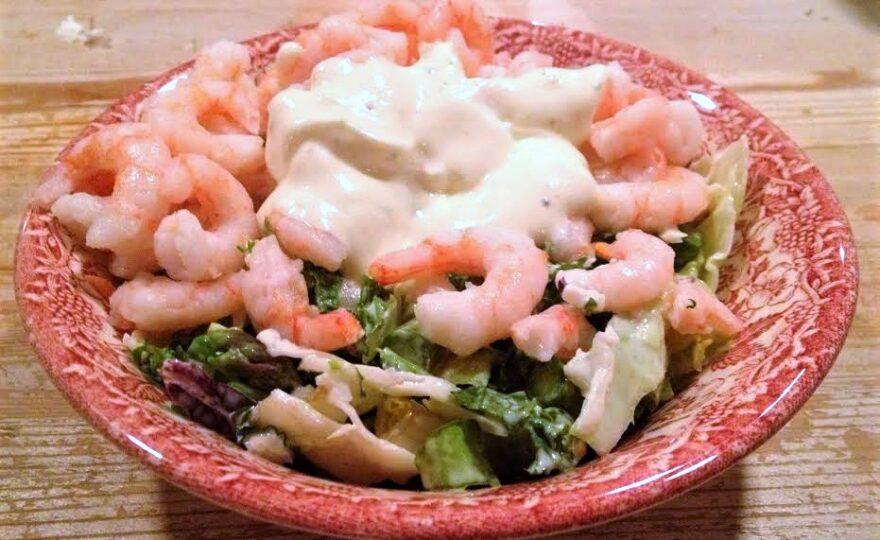 Frokostsalat med rejer og avokado – mæt og glad