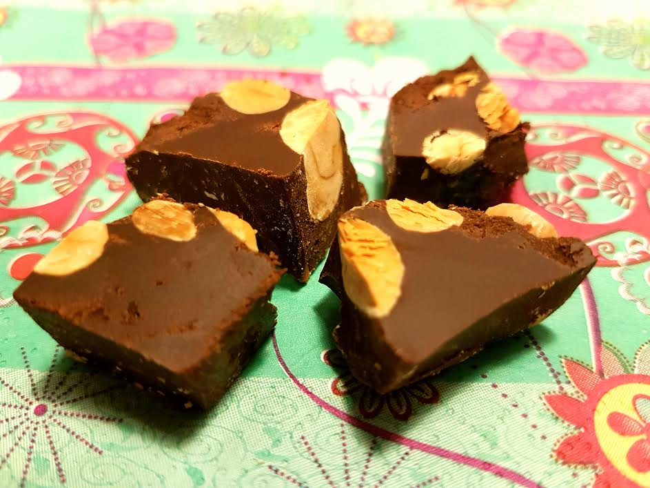 Kold tyrker chokolade med nøsdder