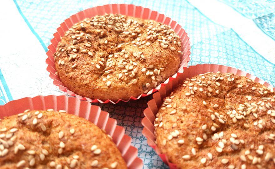 Lowcarb muffinboller – blodsukkerroligt brød til madpakken