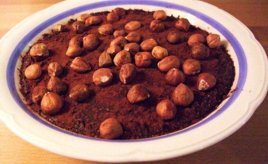 Figenguf kage eller børnepålæg – figner, nødder, kakao og vanilje